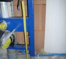 Info pratique :-) Hauteur des toilettes 55cm - 13 de plancher chauffant - 1 de carrelage cela donne 41 cm sans l'abattant
