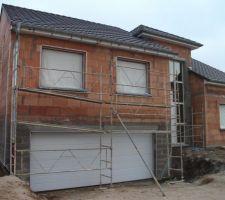 28 mars 2013 - Installation des échafaudages pour les travaux de crépis à venir!