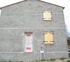 Porte d'entrée - Fenêtre volet SAM - Fenêtre volets chambre Cassandre