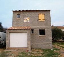 Garage - Fenêtre WC grille défense - Fenêtre cuisine grille défense - Fenêtre SDB grille défense - Fenêtre chambre Jade volet