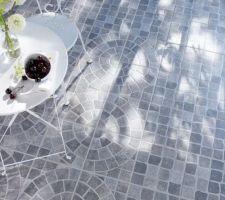 Idée de carrelage extérieur pour l'allée (version pavés sans les rosaces), chez casto, il est gris avec plusieurs tons, pas trop foncé, reste à le voir en vrai pour voir se que ça donne...