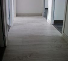 27 avril : Parquet couloir