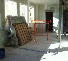Mise en place des rails pour l'emplacement de la chambre 1 au rdc