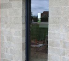 Porte fenêtre du labo