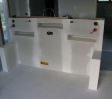 realisation d une tete de lit avec deux palettes de 2 2m
