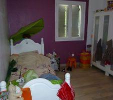 Chambre de notre fille parquet gris