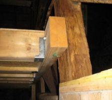Fixation nouveau plancher sdb sur ancien poteau