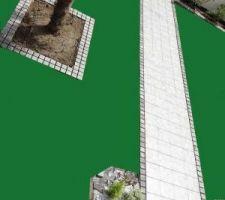 Simulation avec gazon arrivant à ras des pavés