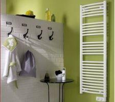 seche serviette de la salle de bains et douche suite parentale