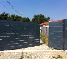 portail en metal fait maison peinture v33 conditions extremes gris tungstene portier et moteur came