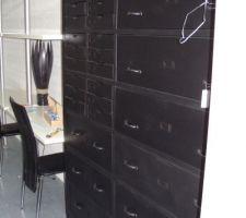 Le meuble du bureau pour classer les archives et autres