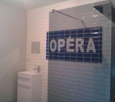 La salle de bain métro parisien, manque plus que la déco ( et la baignoire d'angle).