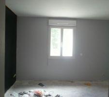 Mur noir chambre loulou