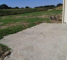 preparation du sol pour future terrasse bois