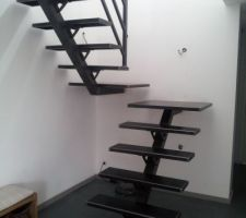 20130911 - Escalier créé par Marc Lamour ... Les finitions sont encore à faire ... Je verrai l'hiver prochain, si je m'ennuie ... ;-)