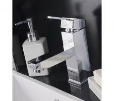 Mitigeur du lavabo de la salle de bain