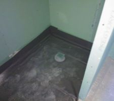 receveur douche italienne en place pres pour faire le carrelage