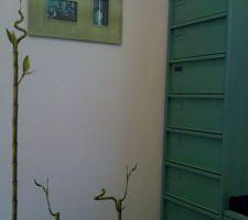 vielle armoire de bureau en fer repeinte en verte tres sympa et surtout tres pratique pour ranger tous les papiers