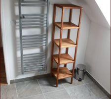 Sdb du haut terminée, les meubles en Teck ont reçu une nouvelle couche d\\\'huile parfumée aux huiles essentielles de cannelle