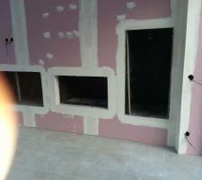 Habillage de cheminé terminé, reste de choix du revetement...