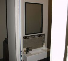 Miroir du WC du RDC posé ;-)