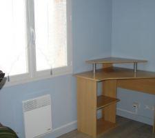 bureau termine plinthes posees barre de seuil fixee cable ethernet passe radiateur remis en place
