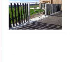 piquets en ardoise posee a l entree du jardin un portail en inox va arriver 13 10 2013