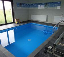 En avant première la photo de la piscine pleine ! 01 2014