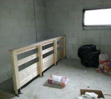 Pose rembarde dans le garage donnant sur escalier descendant à la cave