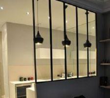 Fenêtres d'atelier qui sépareront la cuisine de l'entrée