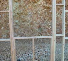 les 1ers murs en bois sont montes