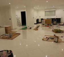 Installation cuisine : la pièce de vie devient un vrai chantier (et encore j'ai nettoyé avant de prendre la photo)