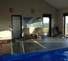 les transats de la piscine par cette superbe journee du 6 mars