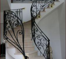 Granit breton inséré entre les 2 escaliers celtiques