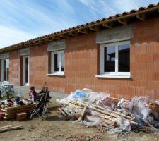 24 mars 2014: Façade sud après la pose des fenêtres