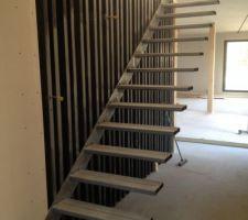 Structure de l'escalier montée avec la lumière du jour :)