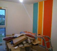 La chambre de la moyenne en pleine séance de peinture