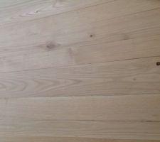 Ponçage du plancher châtaignier grain 40